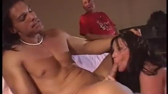 Housewife get fucked and suck cock