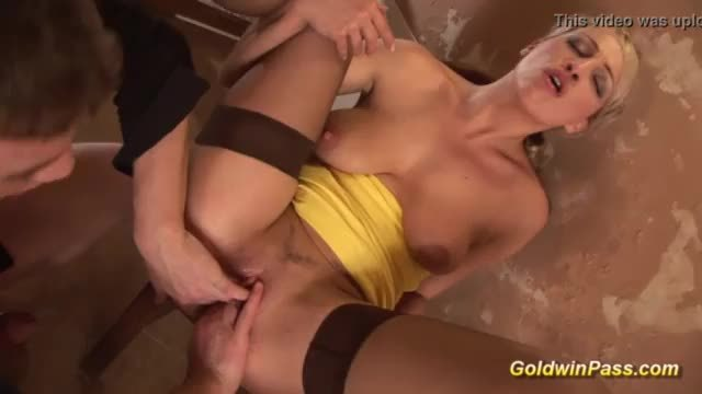 Hot blonde babe deep pussy fisted